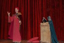Una de las escenas de las conferencias teatralizadas que han itinerado este verano por la provincia de Zaragoza