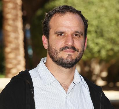 El autor ganador del IV Premio de Literatura de Viajes Camino del Cid, Miguel Gutiérrez Garitano