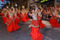 Vistosa imagen de la última edición de las Fiestas de Moros y Cristianos de Ontinyent (Tourist Info Ontinyent)