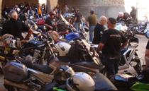 Un momento de la concentración del Motoclub Zona Roja