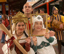 Imagen de algunos de los actores que participan en la ambientación del Tren Medieval a Sigüenza