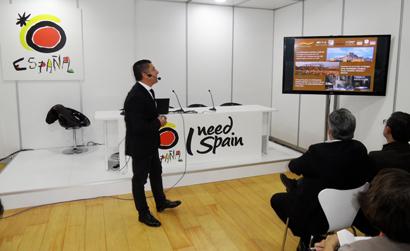 Un momento de la presentación de las cinco rutas culturales a los representantes de las Oficinas de Turismo en el Extranjero